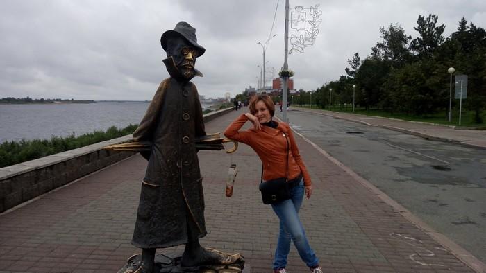 Памятник Чехову в Томске