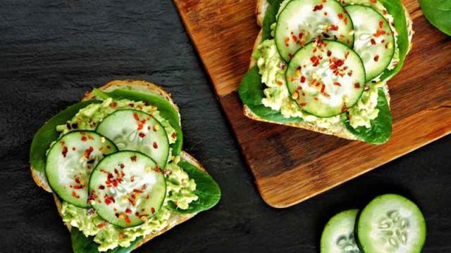 Любовь к правильному питанию и испорченный авокадо