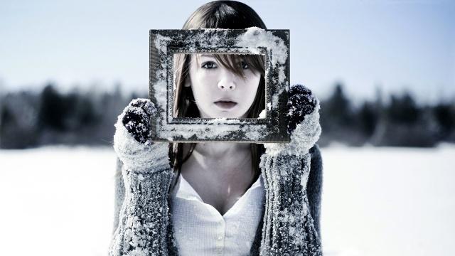 Где найти тёплую зимнюю верхнюю одежду без меха?