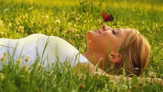 Счастье приходит само или это действия человека?